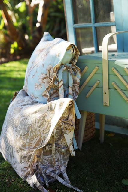 http://1.bp.blogspot.com/-oes-uvRT2Ew/Vn8WRWIcscI/AAAAAAACVPU/bOx3ZmMWj10/s640/pillowcase_bc.jpg