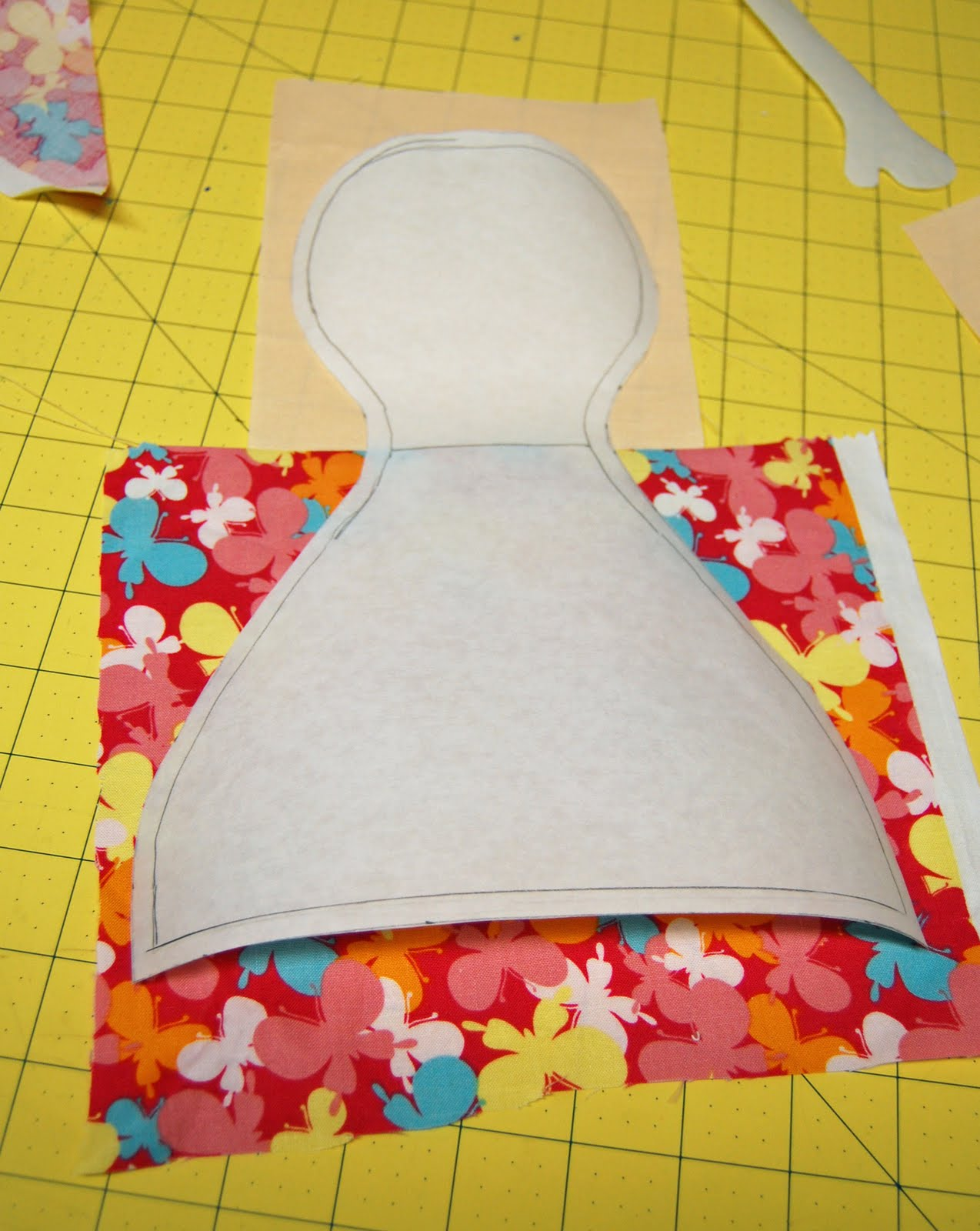 how to cut out a pattern on fabric