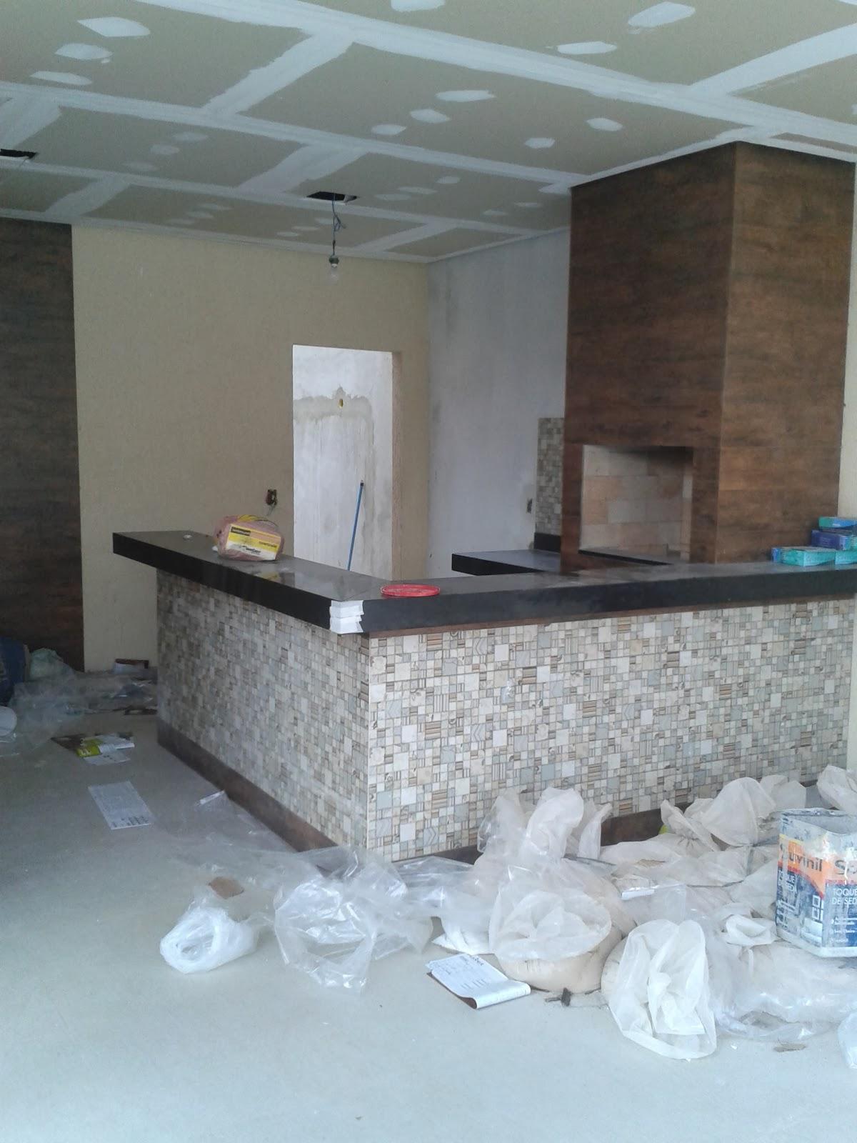 Nossa Tão sonhada Casinha : Revestimento dos Banheiros #4F6A7C 1200x1600 Banheiro Com Parede De Grafiato