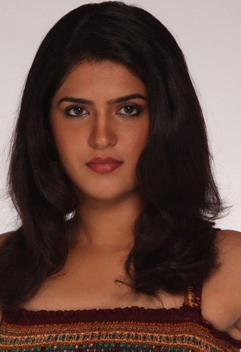 Deeksha Seth In Vettai Mannan Actress Deeksha Seth M...