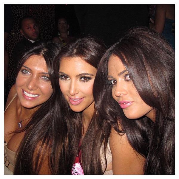 kim-kardashian-selfie-hot-nude-sexy-bikini-cleavage-scandal-glamourtalkz