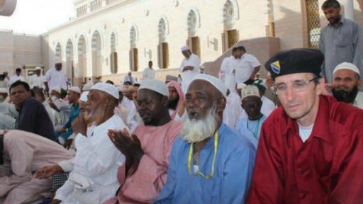 Berangkat Haji Dengan Jalan Kaki Dari Bosnia Ke Mekah [ www.BlogApaAja.com ]