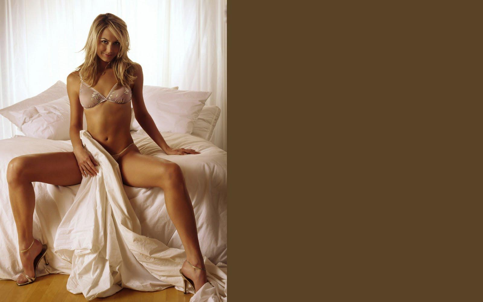 http://1.bp.blogspot.com/-ofoKgk6l_n4/TrPeqLMWBgI/AAAAAAAAC_c/DrDTtsSxYII/s1600/Stacy-Keibler-desktop-Wallpapers-22.jpg