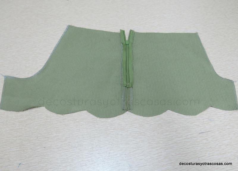 pantalón corto con cremallera lateral
