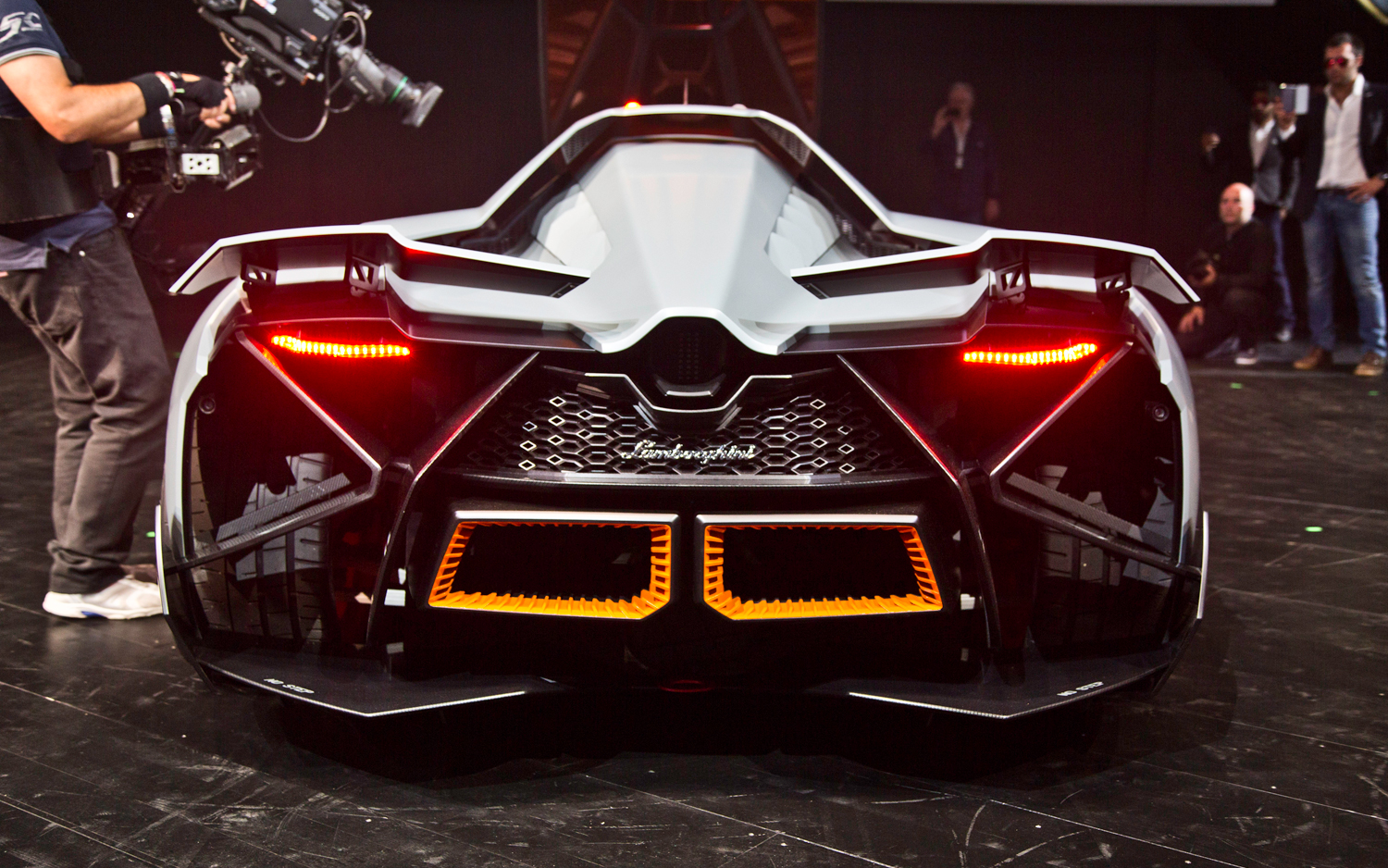 new lamborghini egoista hd wallpapers 2013 all about hd wallpapers. Black Bedroom Furniture Sets. Home Design Ideas