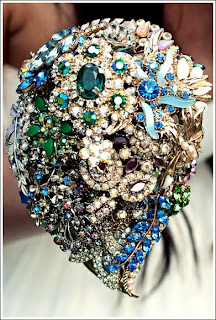 Green&Blue-brooch-bouquet-by-debbie-carlisle-via-Absolute-Perfection