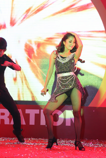 Và Khánh Khi nữ hoàng dance sport cũng cuốn mình vào trào lưu khoe hàng