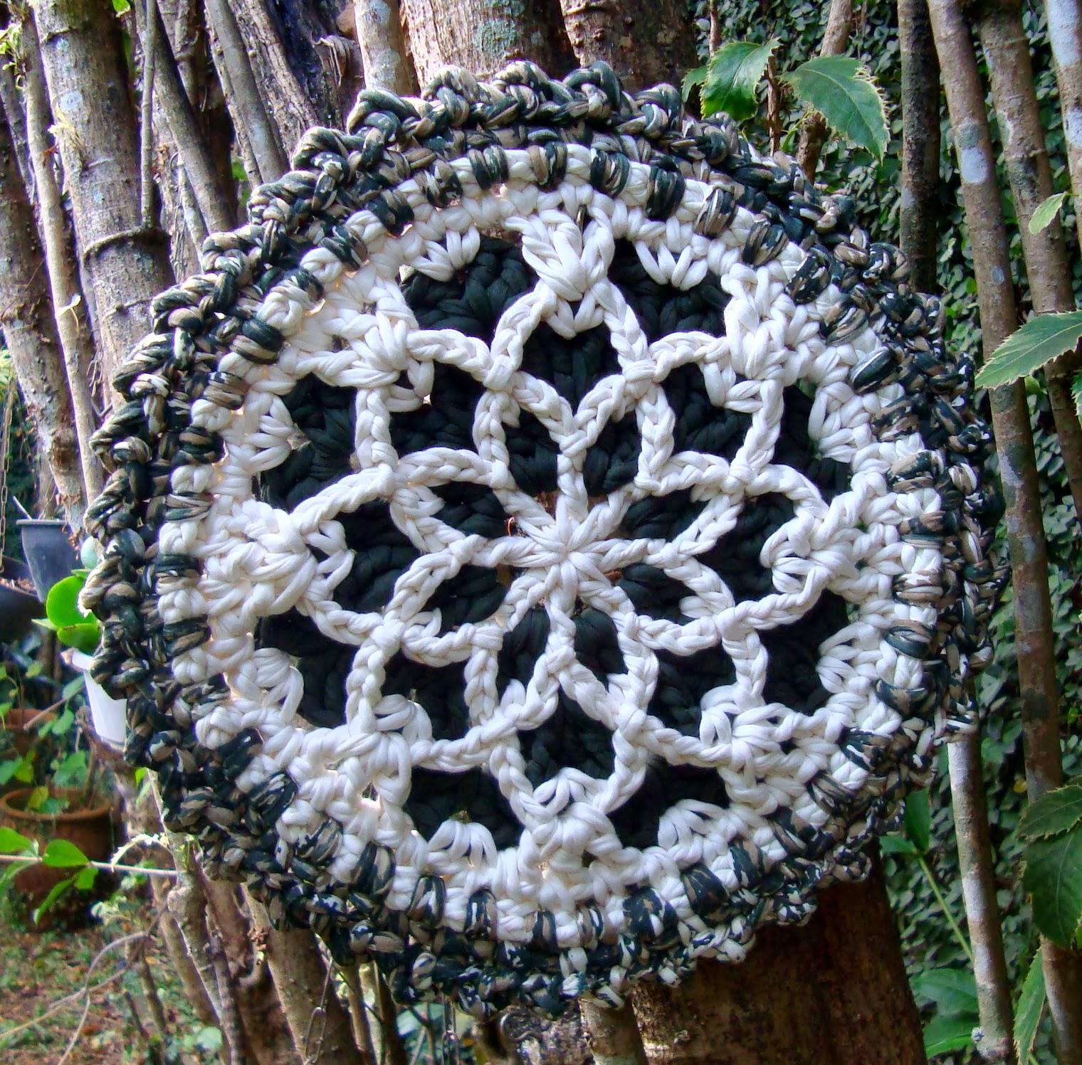 Mandala Flor Branca (de pendurar)