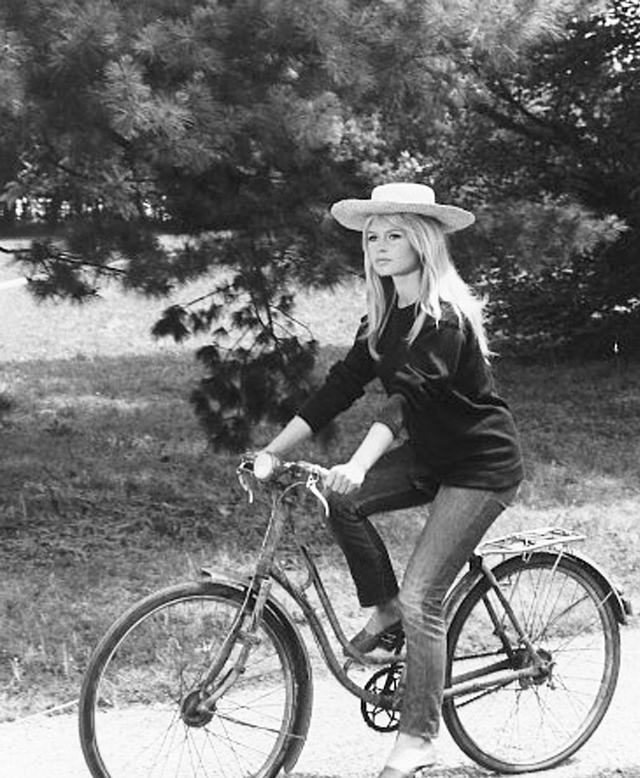 Sunshine Chic Style In The Sun Bike Style