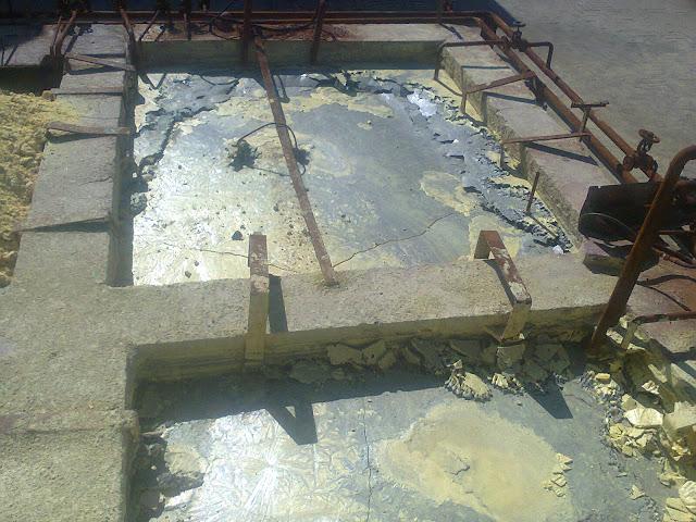 main sulfur pits