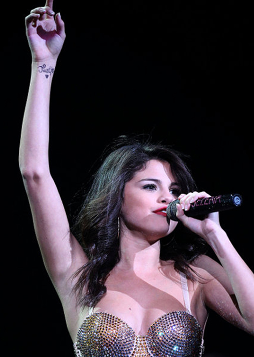 30 superb selena gomez designs slodive