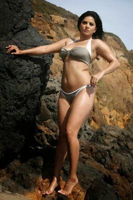 Body Bahenol Sunny Leone Yang Menggoda