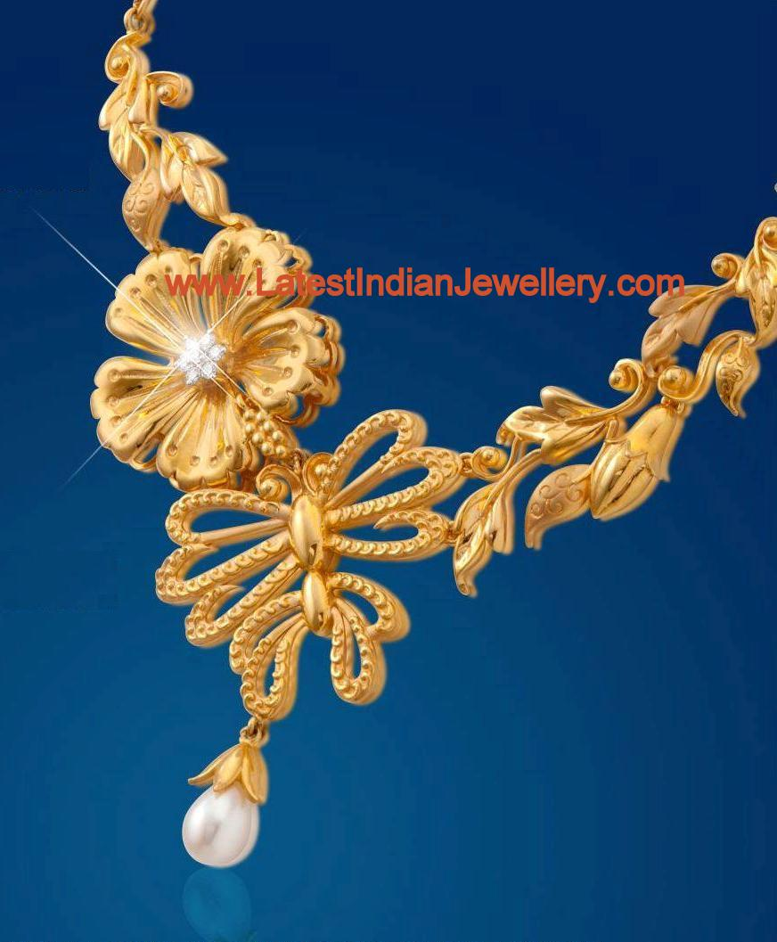 Floral Design Gold Necklace with Diamonds