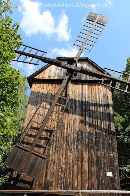 větrný mlýn // windmill