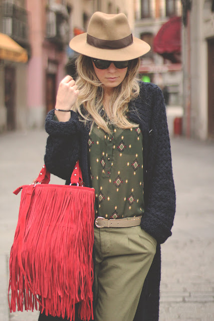 Priscila Betancort, MY SHOWROOM, Carlos Toun, Madrid, Pilar Burgos, Ray-Ban, sunnies, green pants, boots, SuitBlanco, Vintage, verde militar, look masculino, Boyfriend,