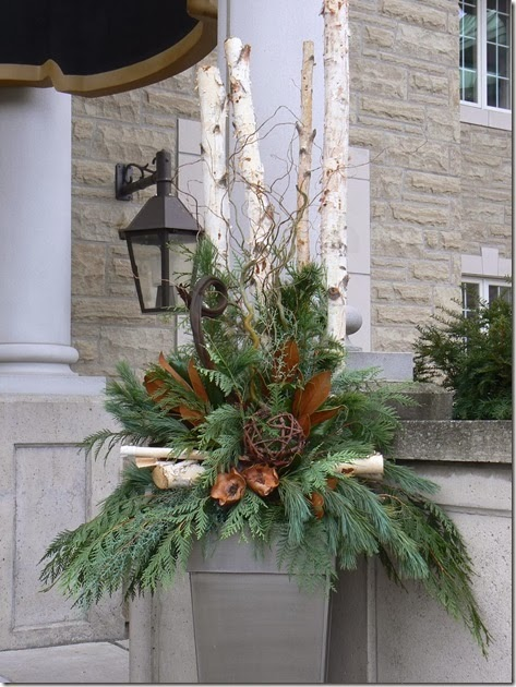 Decorating Ideas > Designing Home Creating Natural Arrangements For Christmas ~ 085848_Christmas Decorating Ideas For Outdoor Planters