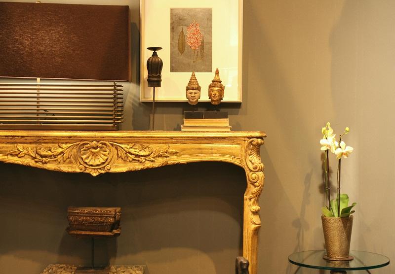 Dise o y decoraci n de apartamentos el dorado triunfa en for Decoradores de casas interiores