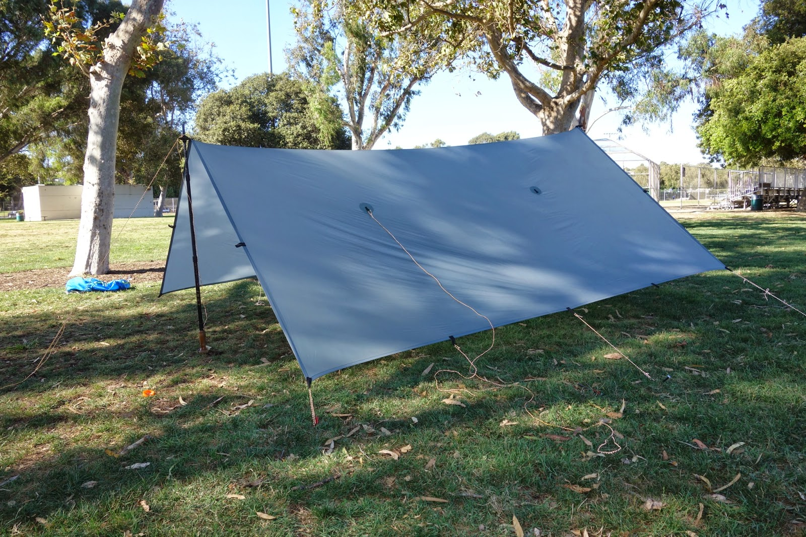 For headroom living space or gear space this is a great configuration. Itu0027s also simple to set up and doesnu0027t require as large a site as some other ... & Thoughts on the Trail: Tarp Practice for the JMT
