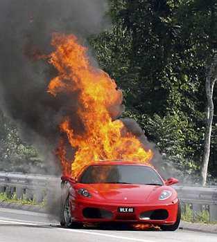 gambar ferrari terbakar seremban negeri sembilan malaysia