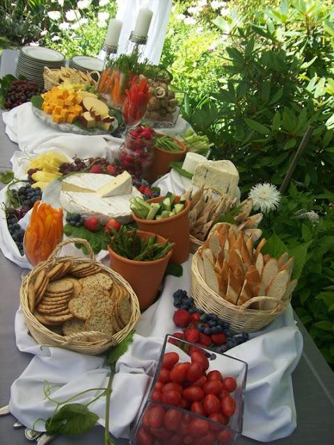 picnic style wedding foods