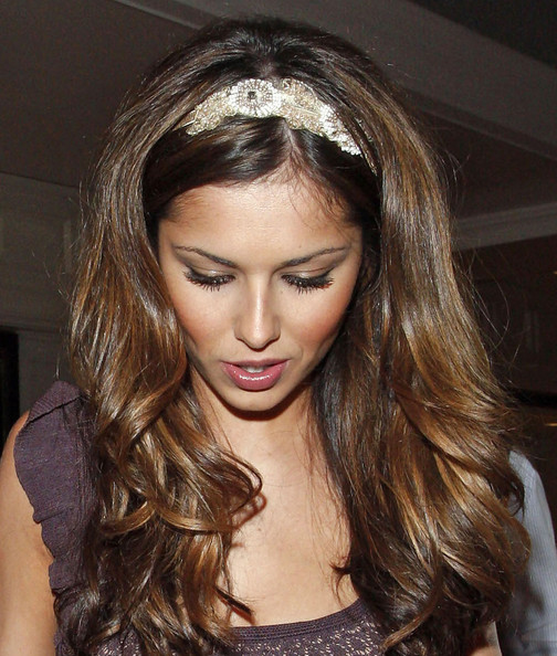 Very-Cute-Hair-Styles-And-Headband+%25288%2529. Stylish Brown Long Hairstyle 3dac594a031
