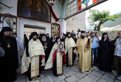 άγιον όρος λιτανεία  Ιερείς ευαγγέλιο