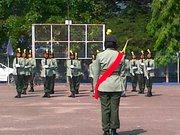 agi idup agi ngelaban kawad senjata