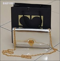 Win LC Clutch From BabyIbu Shoppe!!