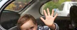 Pastikan tiada anak didalam & belakang  sebelum mengundur atau meninggalkan kereta.