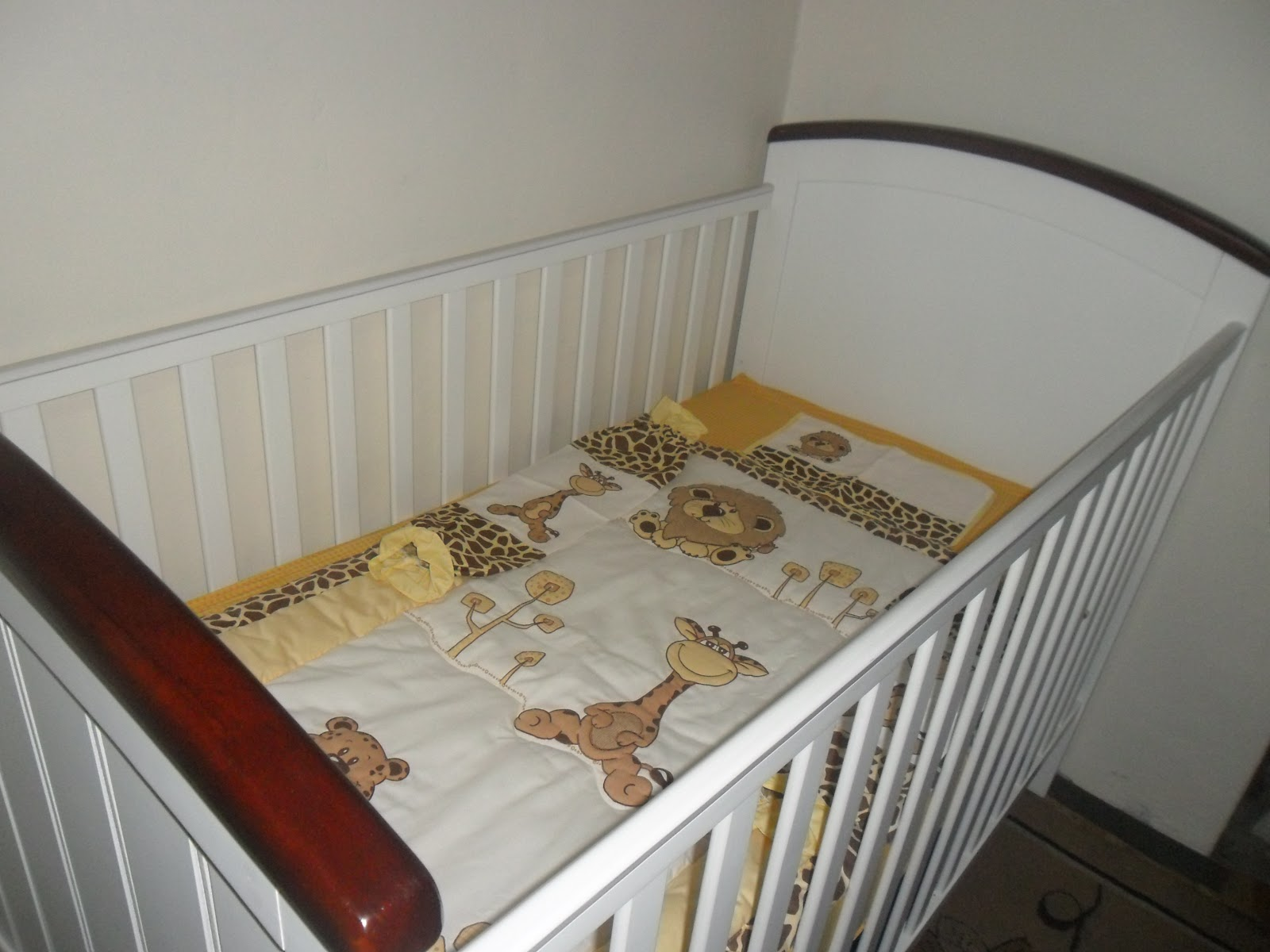A cuddlebug crib for a couple of cuddle bugs