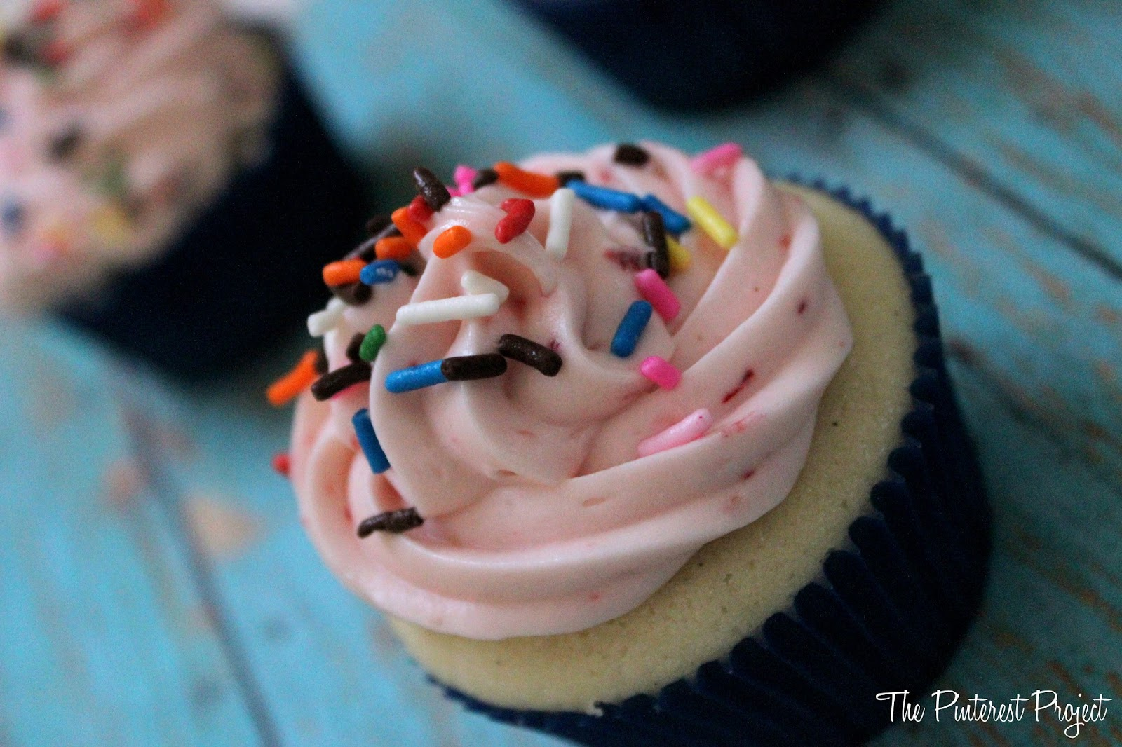 Strawberry Cream Cheese Frosting | The Pinterest Project