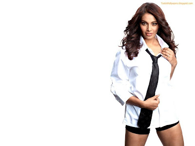 Bipasha Hot hd wallpaper sizzling white shirt