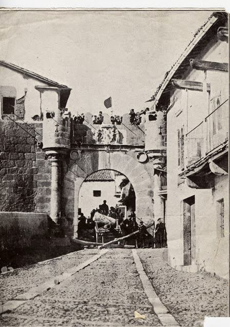 """25/Abril. Conferencia """"Huellas actuales de la historia contemporánea de Béjar (1777-2012)"""". Béjar"""