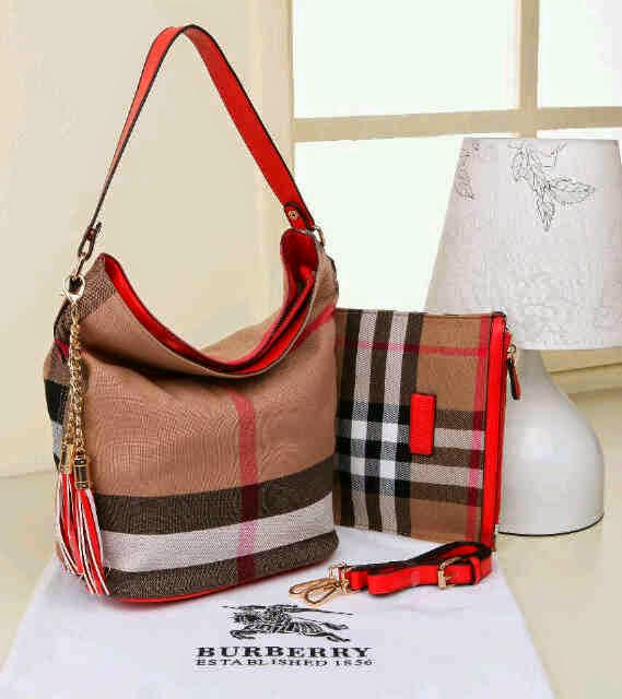 Tas Burberry Hobo Kanvas