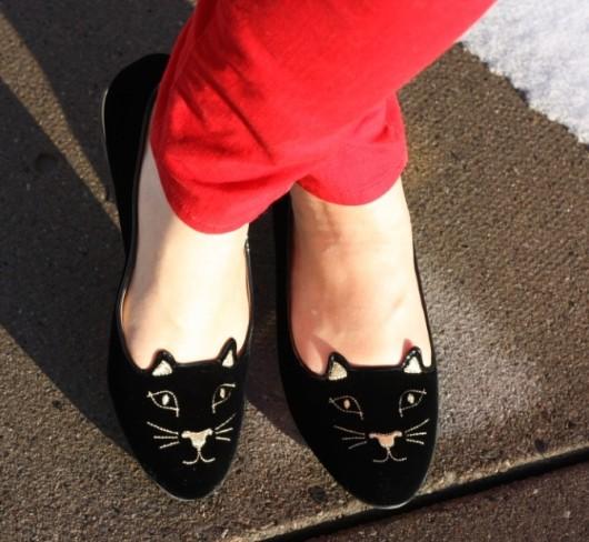 Модная обувь с котами