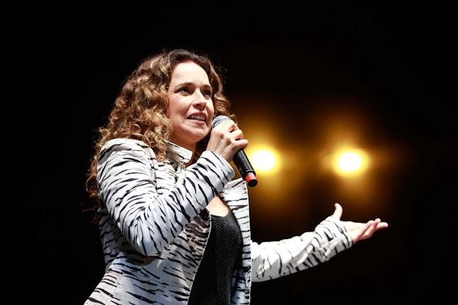 Daniela Mercury abre a Virada Cultural defendendo o impeachment de Marco Feliciano (Foto: Daia Oliver/R7)