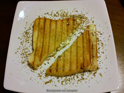 Doce Incanto Café & Torteria: Sanduíche de Queijo Coalho com Orégano