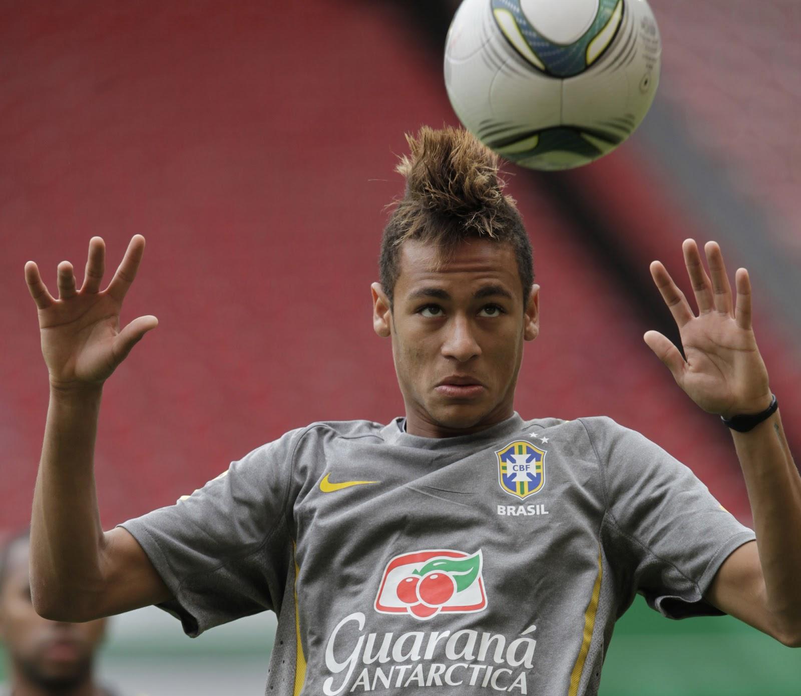 http://1.bp.blogspot.com/-ojl93RfhQlw/UPjrsUGcYFI/AAAAAAAAACU/AGRZcLfYdGE/s1600/Neymar%2BTraining%2BSchedule%2BWallpaper.jpg