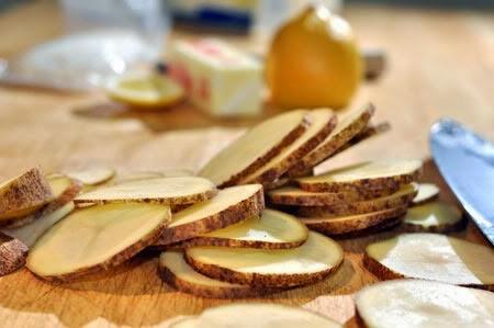 sliced white potatoes