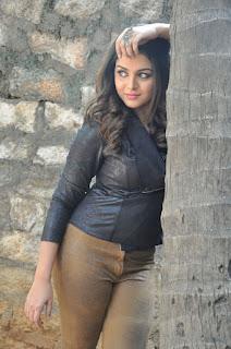 Actress Wamiqa latest glam pics 023.jpg