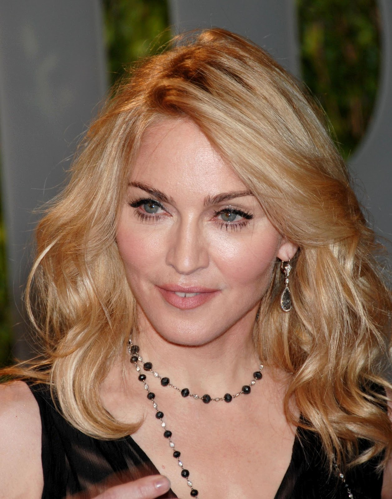 http://1.bp.blogspot.com/-ok1v7zk_Jm0/UCqjqguUk5I/AAAAAAAAD4g/Bb628AGF8zc/s1600/pessoas-famosas-madonna-427b12.jpg