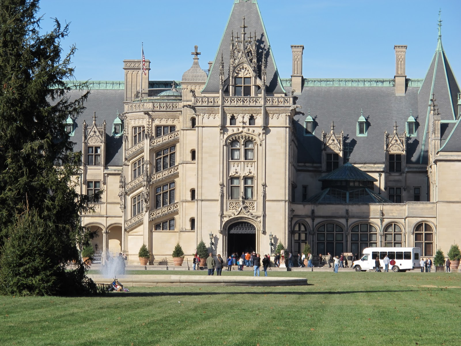 Finding joy the biltmore house america 39 s largest home for Largest homes in america