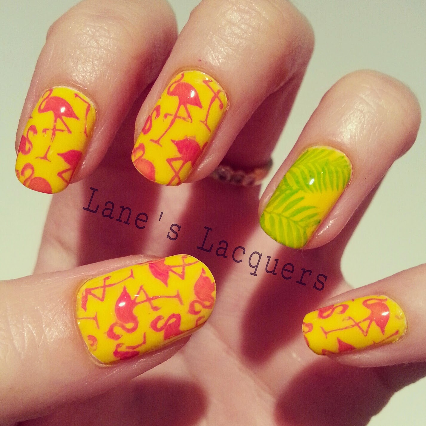 52wpnmc-yellow-wild-animal-nail-art