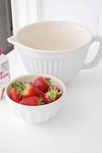 Jordgubbar med mjölk