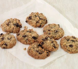 Hazelnut and Raisin Oat Cookies