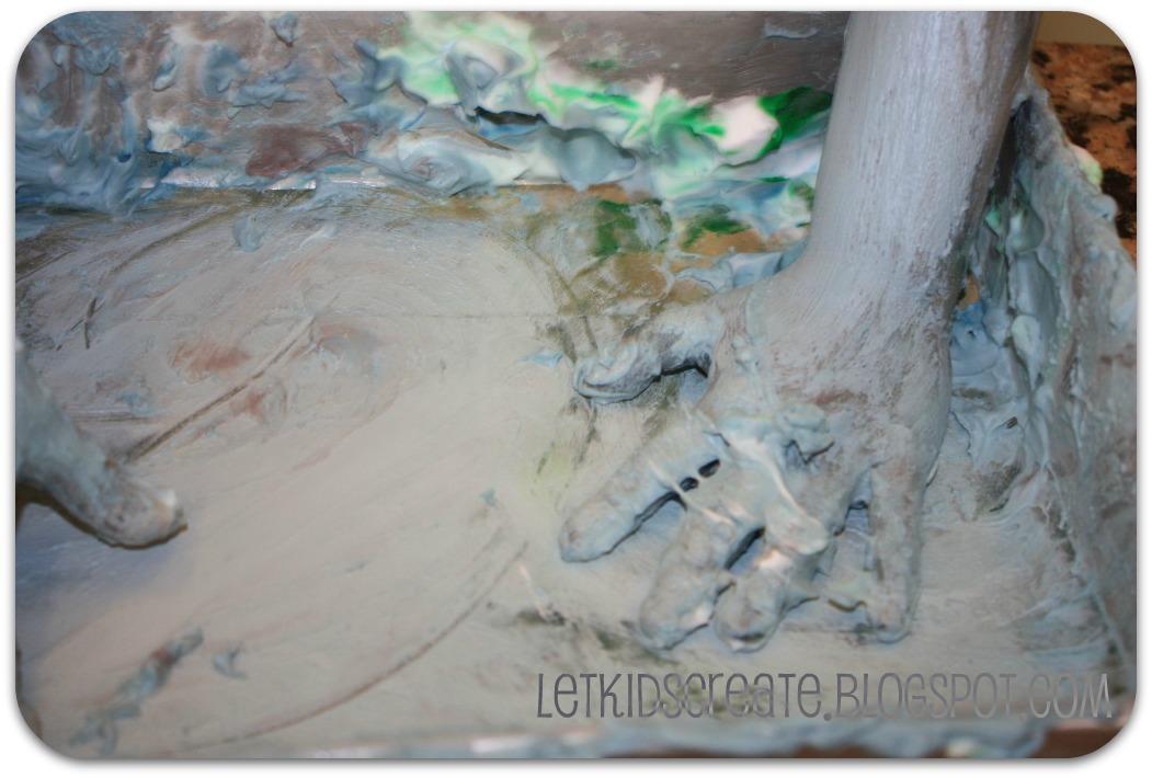Let kids create finger painting with shaving cream for Shaving cream paint