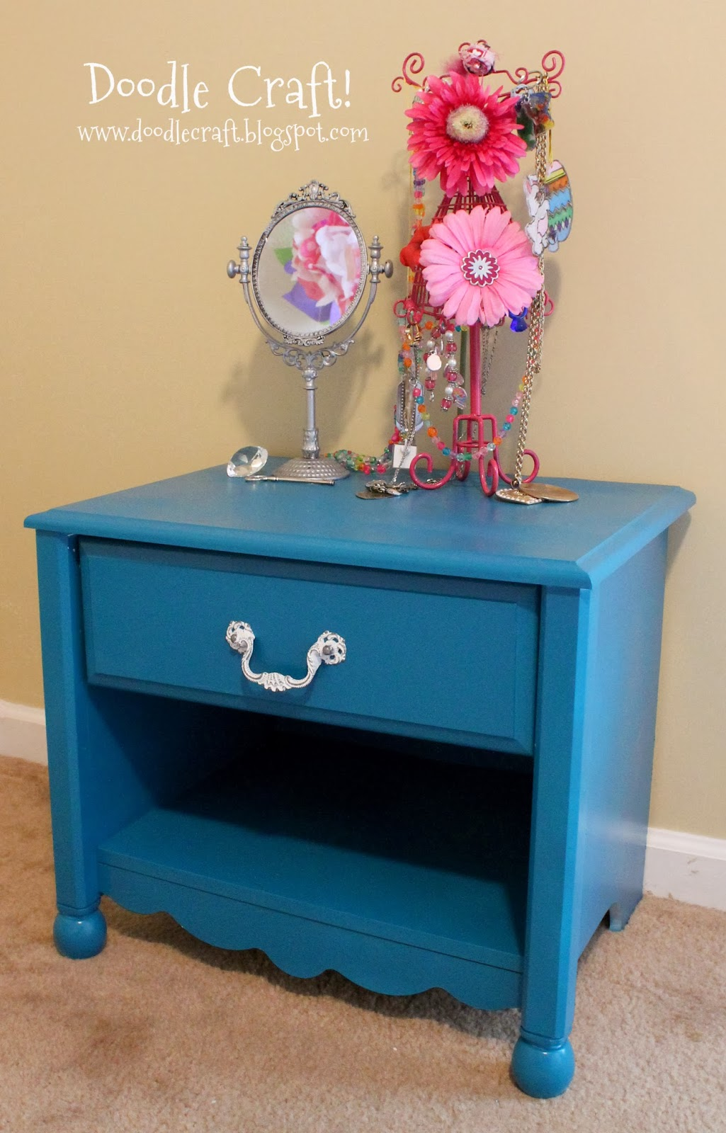 http://www.doodlecraft.blogspot.com/2012/06/short-scalloped-nightstand-redo.html