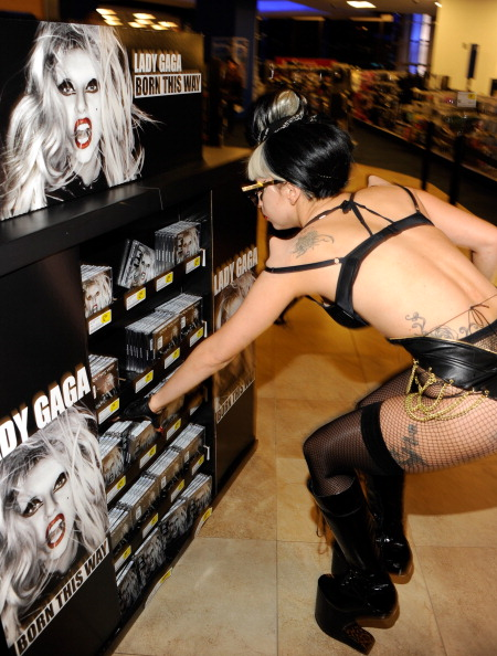 is lady gaga a shemale № 74497