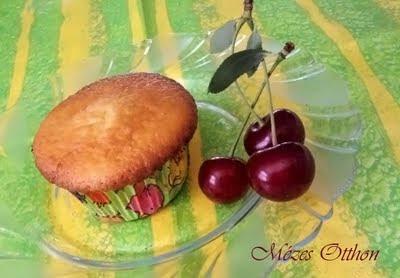 meggyes muffin fotó