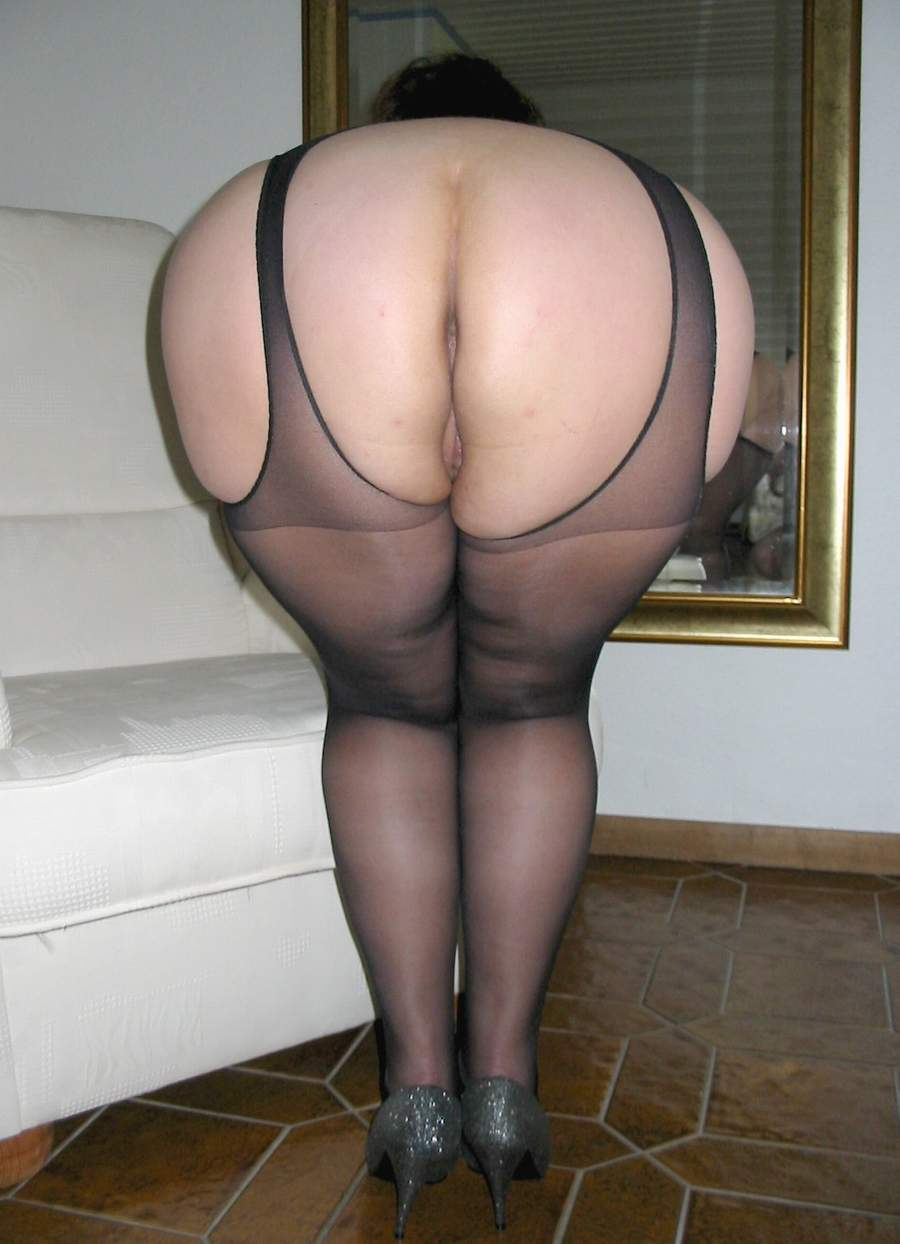Fat old in pantyhose can